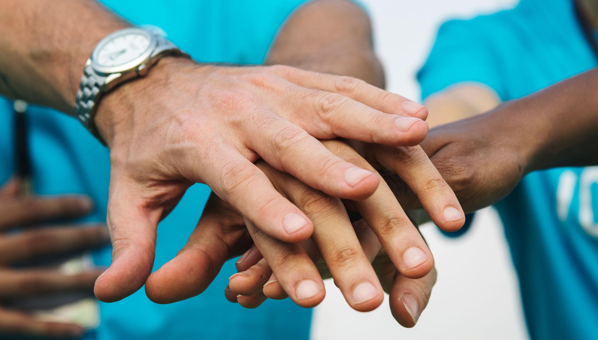 Somos el área de Fundación Paréntesis especializada en la implementación de programas de prevención, asesoría, capacitación y asistencia clínica.